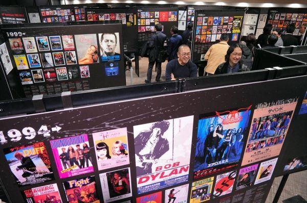 時代ごとに、来日した海外ミュージシャンを紹介する会場=2019年3月7日午後、東京・有楽町、鬼室黎撮影