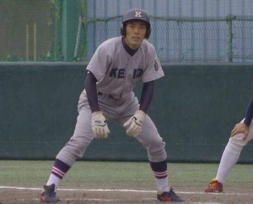 慶応高校時代の谷口さん。代走からの出場も多かった
