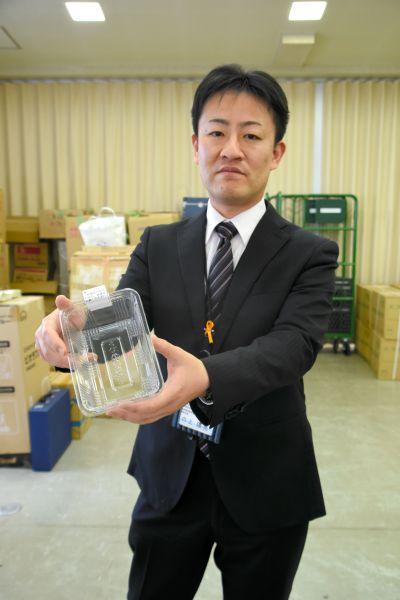 開票所で使われるイチゴパック=三重県松阪市殿町