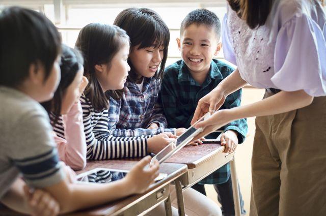 色々な特性を持つ子同士が、一緒に学ぶ環境づくり。実現には、トップのマネジメントが欠かせない。(画像はイメージ)