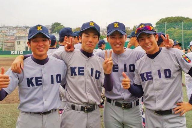 慶応高校時代の谷口智哉さん(左から2番目)はイップスに苦しんだ