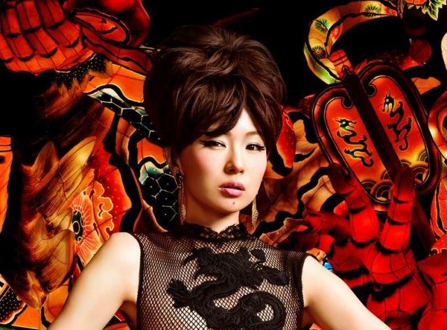 歌手の椎名林檎さん。