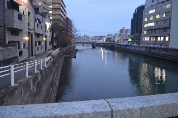 樋井川の河口付近から見た上流