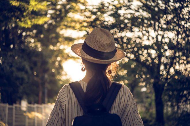 「単身社会」で孤立せず、前向きに生きていこうと、つながり合い、支え合う仕組みを模索する女性たちがいます(写真はイメージです)