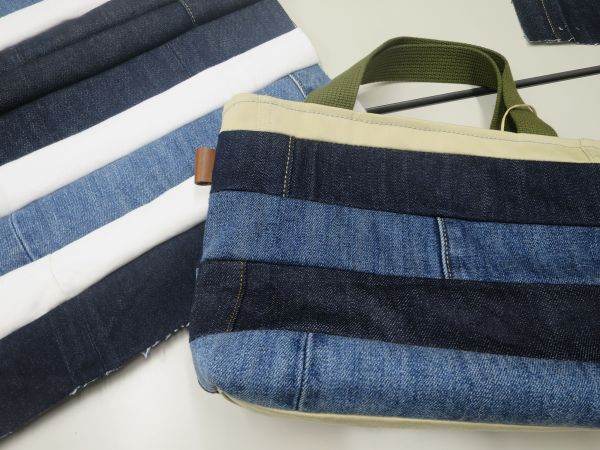 縫い合わせたハギレとバッグ(右)