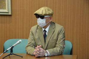 懲戒請求を取り下げて和解した男性=2019年4月11日、横浜市中区、飯塚直人撮影