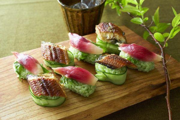 【うなぎとみょうがの一口ケールおにぎり】粉末タイプ使用。レシピは画像下の出典「キューサイのホームページ」に