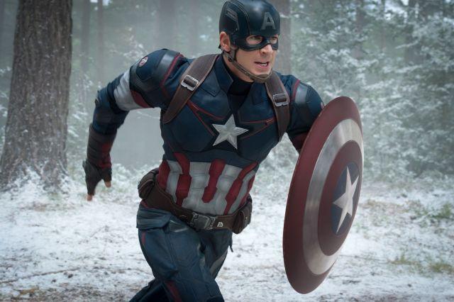 クリス・エヴァンス演じるキャプテン・アメリカ/スティーブ・ロジャース。