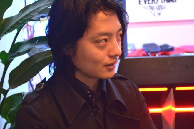 吉藤オリィさん。1987年生まれ、奈良県出身。不登校時代を経て、ロボット開発に興味を持ち、工業高校に入学。在学中の2004年、『高校生科学技術チャレンジ(JSEC)』に電動車いすで出場し、優勝。05年、アメリカで開催される世界最大の科学コンテスト『インテル国際学生科学技術フェア(ISEF)』のエンジニアリング部門で3位に。早稲田大学在学中の10年に分身ロボット『Orihime』を開発。