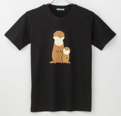 コツメカワウソの密輸をテーマにしたTシャツ