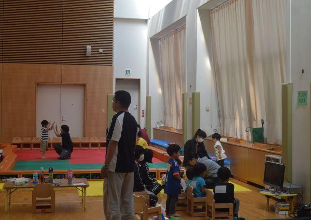 自衛隊中央病院での首都直下地震対応訓練の際に、出勤した職員の子どもを預かるため院内にできた施設=5月25日午後、東京・世田谷。藤田直央撮影(以下同じ)