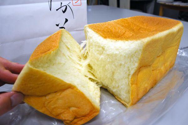 柔らかさが特徴の「乃が美」の食パン=神野勇人撮影