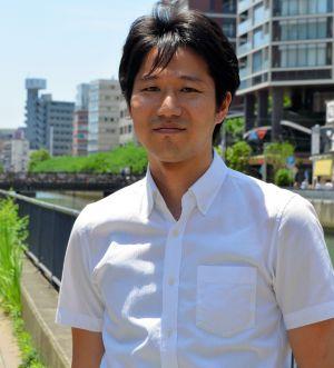 小手川正二郎(こてがわ・しょうじろう)1983年、東京生まれ。フランス哲学、現象学が専門。著書に『甦るレヴィナス』。論文に「『男らしさ』の現象学試論」など。「男らしさ」や「親子関係」をテーマにした講演もしている。