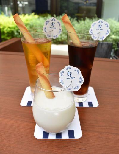期間限定で提供されている「シガール・ストロー付ドリンクメニュー」。ドリンクはアイスコーヒー、アイスティー、牛乳の3種類から選ぶことができます