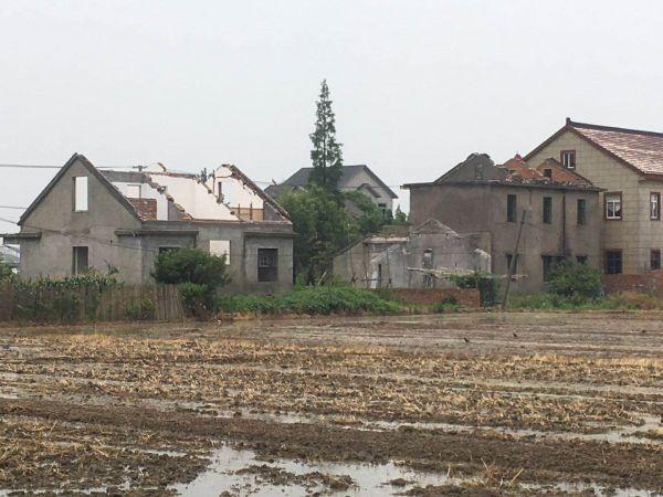 壊されていく古い農村