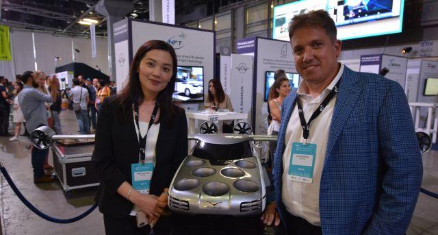 夫婦で会社を率いる真紀さん(左)とガイさん。いまは米国を拠点に生活している=6月11日、テルアビブ、高野遼撮影