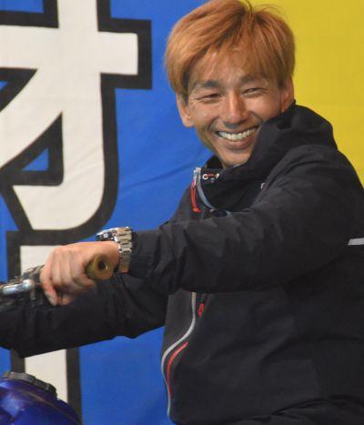 笑顔を見せる藤田さん=6月4日、北海道旭川市