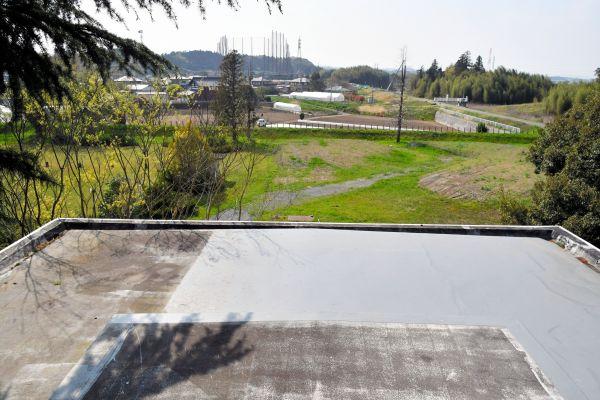 ポンプ機械室の屋上から水戸市内を見下ろす