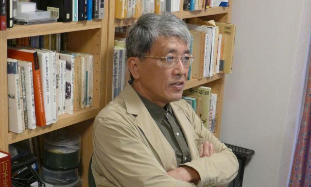 エリート層の自己責任論について分析する橋本教授
