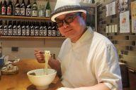 東京・東中野「壱兆庵」のそうめんを食べるソーメン二郎さん