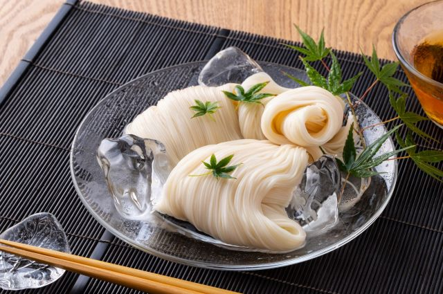 麺を氷で冷やすと、麺の甘みを感じなくなるという。