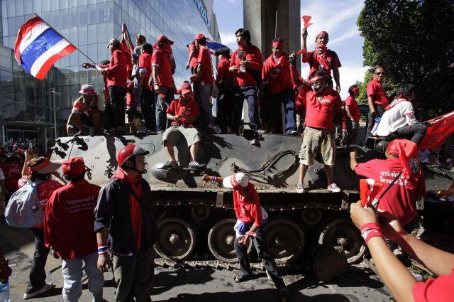 タクシン派の赤シャツの人たちのデモなどで、2009年、東アジアサミットは延期に追い込まれた
