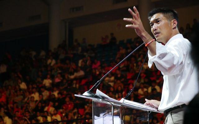 新未来党の選挙直前集会で話す、タナトーン氏=2019年3月、バンコク
