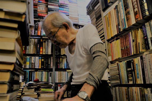 東豊書店の店主・簡木桂さん。多くの中国研究家たちに愛されていた=今村優莉撮影