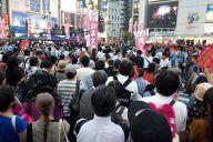 7月19日に東京・新橋で開かれた「れいわ新選組」の街頭演説会にはたくさんの人が訪れた=牧内昇平撮影