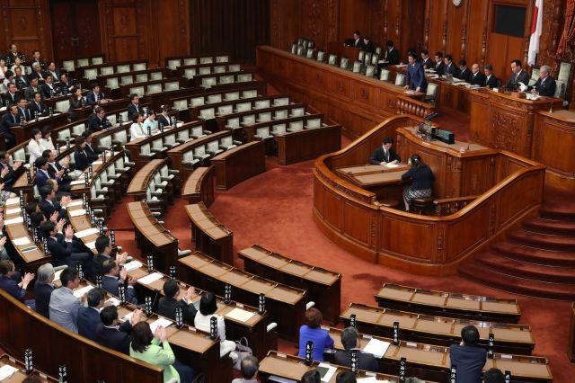 参院本会議中の議場=6月24日