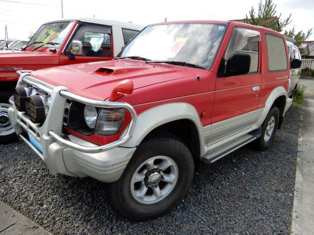 1994年式の2代目パジェロ。車両本体価格59.8万円、走行距離は13.8万キロ。まだまだ乗れる