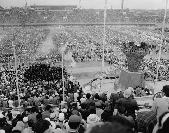 1964年6月6日にあった第19回国体春季大会(新潟国体)の開会式