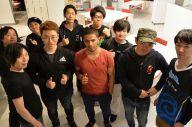 格闘ゲーム界に現れたスゴ腕チャンピオンを囲むゲーマーたち。ここにいたるまでには様々なドラマが……