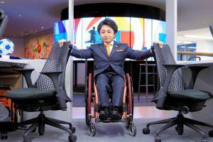 「夢をあきらめてもいい」車いすを強みに起...