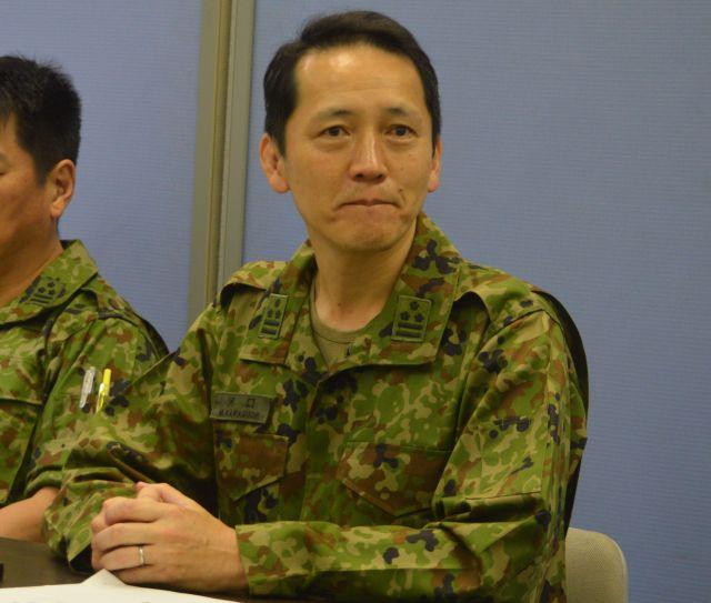 陸上自衛隊通信学校でのサイバー攻撃対処実習について説明する河口誠・第2教育部長