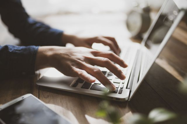 ブログは毎日更新。ツイッターで読者の勘どころを探り、テーマを決める