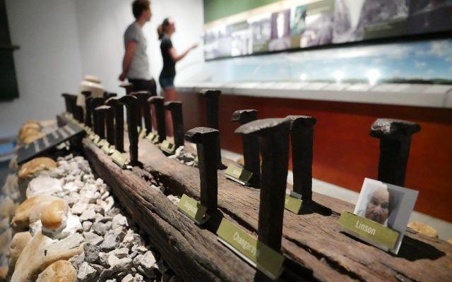 ビーティーさんはオーストラリア政府などの知香を借りず、3年欠けて独力で博物館を建設した=2019年7月、カンチャナブリ