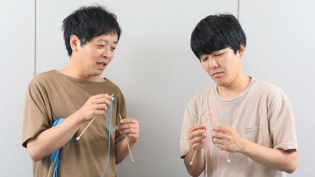 阿諏訪さんが編み物に挑戦する場面も