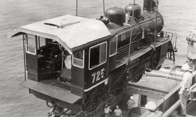 1979年、泰緬鉄道で使われた機関車が日本に戻された