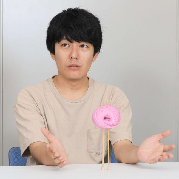 「うしろシティ」の阿諏訪泰義さん=瀬戸口翼撮影