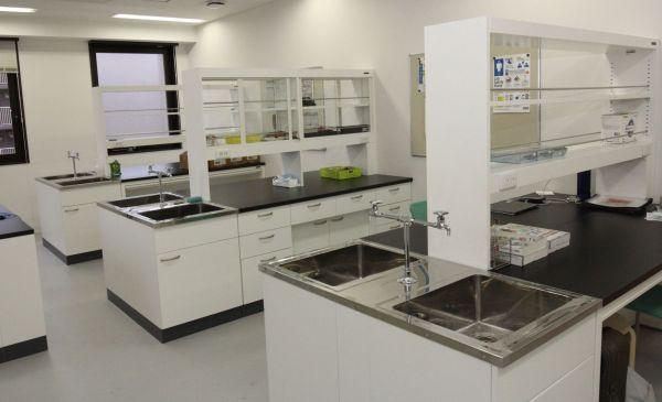 木場キャンパスには実験などができる教室もある(東京都江東区)