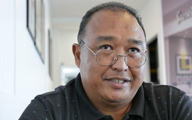 銀行員の仕事を捨ててまで歴史を追い求めることを選んだザフラニ・アルフィンさん。「とても迷ったけれど、今は幸せです」と笑顔だった=2019年8月、マレーシア・コタバル