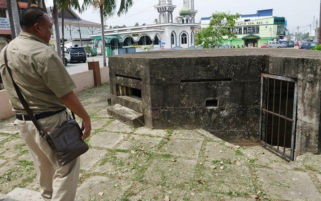 マレーシア・コタバルにはあちこちに、イギリス軍戦時中につくったトーチカがのこされている=2019年8月