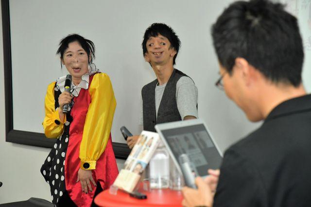 笑顔を見せる河除さん(左)と石田さん