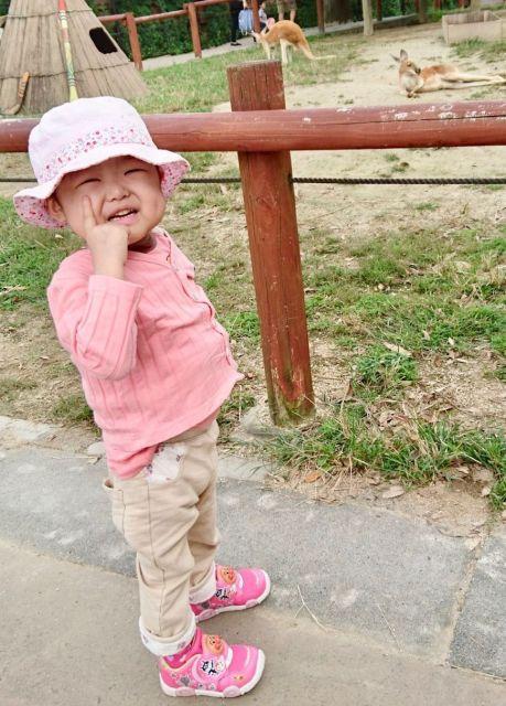2018年9月17日、最後の抗がん剤治療前に家族で動物園に行った(添田さん提供)