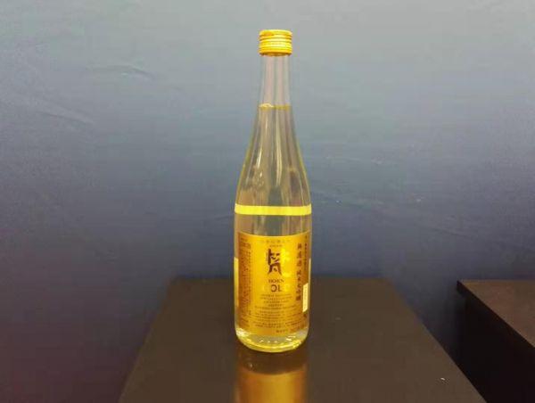 最高賞に輝いた福井県鯖江市で生まれた純米大吟醸「梵・ゴールド」(加藤吉平商店)