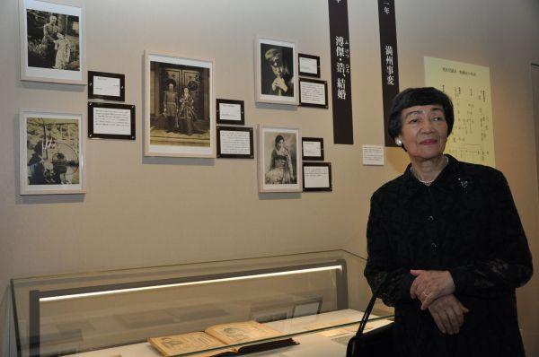 博物館を訪れた福永嫮生さん。父・溥傑について「まじめだったがユーモアもあり、お酒が入ると冗談をいう人だった」と振り返った=2015年5月18日、兵庫県西宮市の関西学院大学