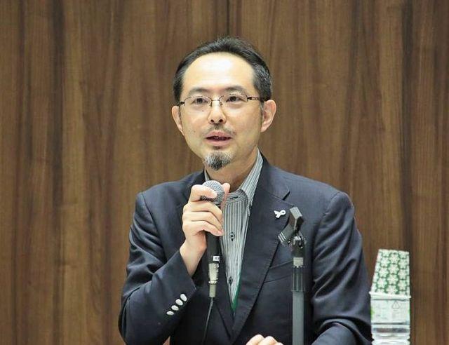 「新しい男性の役割に関する研究会」の座長を務めた関西大・多賀太教授=笹川平和財団提供
