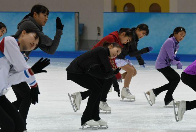 ジュニア強化合宿に参加した女子選手たち=2019年7月27日