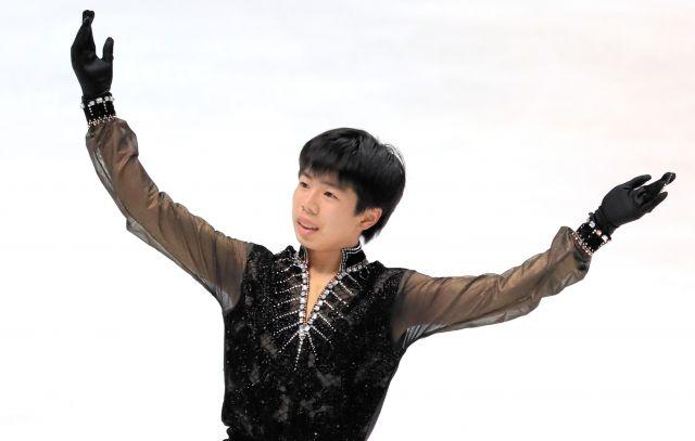 昨年の全日本選手権男子フリーで演技する佐藤駿